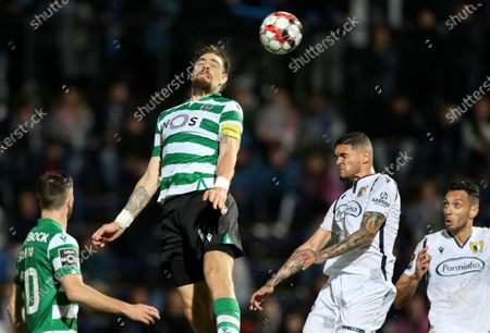 Sporting's Sebastian Coates (2-L) scores during the Portuguese First League soccer match between Famalicao and Sporting held at 22 June Municipal stadium, in Famalicao, north of Portugal, 03 March 2020.