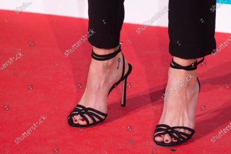 Clara Lago, shoe detail