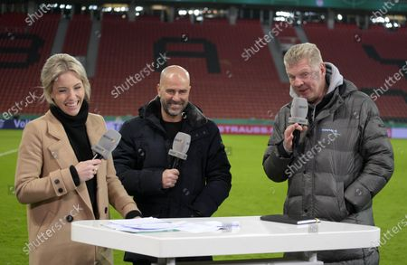 04.03.2020, Football DFB Pokal 2019/2020,   Bayer Leverkusen - 1.FC Union Berlin, in BayArena Leverkusen. middle: Trainer Peter Bosz (Leverkusen), re: Stefan Effenberg bei Sport1  Interview
