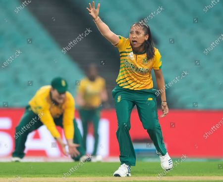 Shabnim Ismail of South Africa appeals unsuccessfully for the wicket of Alyssa Healy of Australia during the Women's T20 World Cup semi-final match between Australia and South Africa at the Sydney Cricket Ground (SCG) in Sydney, Australia, 05 March 2020.
