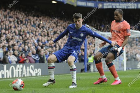 Mason Mount of Chelsea and Djibril Sidibe of Everton in action during the Premier League match between Chelsea and Everton at Stamford Bridge in London, UK - 8th March 2020