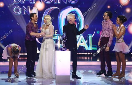 'Dancing On Ice 2020' winners Joe Swash and Alex Murphy with Holly Willoughby, Phillip Schofield, Perri Kiely and Vanessa Bauer