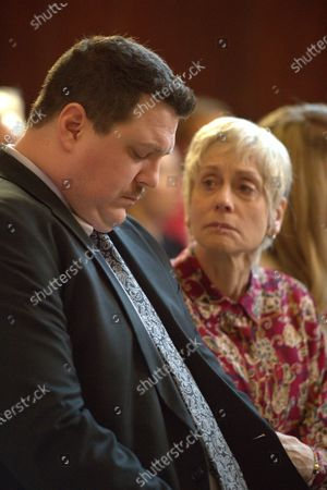 Cameron Britton as Richard Jewell and Judith Light as Bobbi Jewell