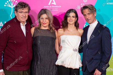 Clara Lago, Ernesto Alterio and guests