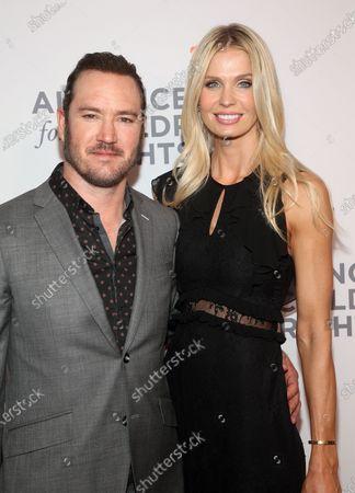 Stock Picture of Mark-Paul Gosselaar and Catriona McGinn