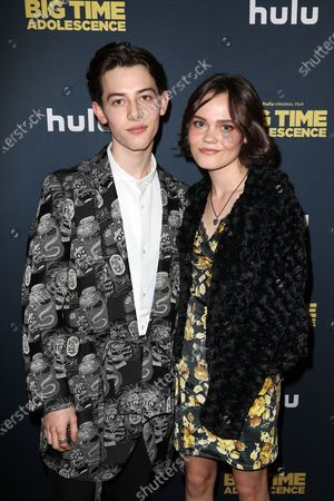 Griffin Gluck and Oona Laurence