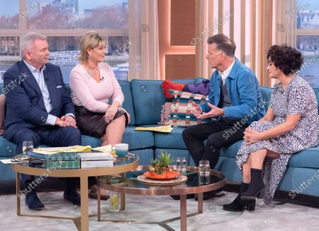 Eamonn Holmes and Ruth Langsford with Deacon Blue - Ricky Ross and Lorraine McIntosh