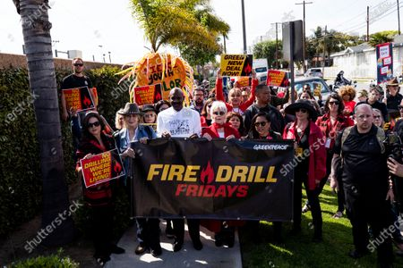 US actress Jane Fonda (C) participates in a protest in front of a gas depot following a Fire Drill Friday climate change rally in Wilmington, South of Los Angeles, California, USA, 06 March 2020.