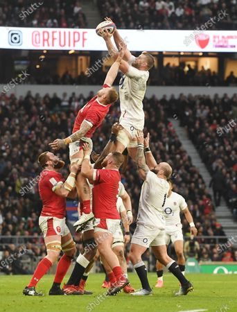 England's George Kruis (C) wins a line out during the Six Nations rugby match between England and Wales held at Twickenham stadium in London, Britain, 07 March 2020.