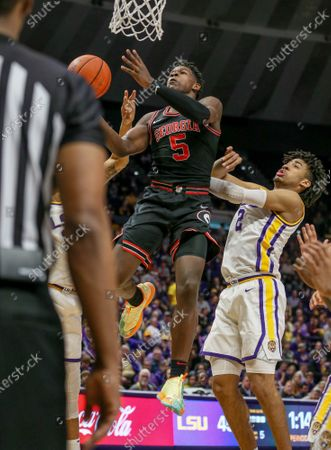 Georgia's Anthony Edwards (5) drives to the basket past LSU's Trendon Watford (2) during NCAA Basketball action between the Georgia Bulldogs and the LSU Tigers at the Pete Maravich Assembly Center in Baton Rouge, LA. LSU defeated Georgia 94-64