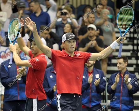 The Bryans acknowledge the crowd after Davis Cup by Rakuten Qualifier doubles match between Sanjar Fayziev (UZB)/Denis Istomin (UZB) and Bob Bryan (USA)/Mike Bryan (USA) at the Neal Blaisdell Center in Honolulu, HI - Michael Sullivan/CSM