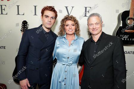 KJ Apa, Shania Twain, Gary Sinise