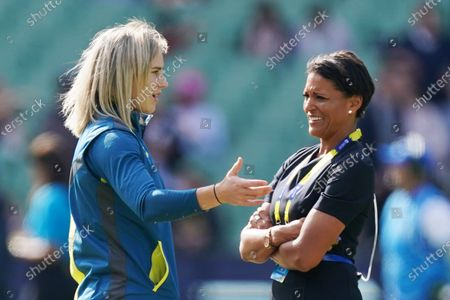 Ellyse Perry (L) of Australia speaks with cricket commentator Mel Jones (R) prior to the Women's T20 World Cup final match between Australia and India at the MCG in Melbourne, Australia, 08 March 2020.