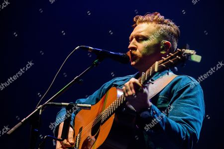 Tyler Childers performs on stage at The Infinite Energy Arena, in Duluth, Ga