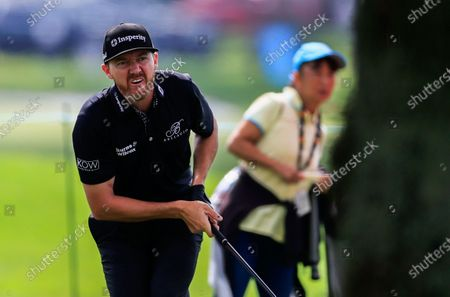 Jimmy Walker of the US watches his second shot on the twelfth hole during the fourth round of the Arnold Palmer Invitational golf tournament at Bay Hill Club & Lodge in Orlando, Florida, USA, 08 March 2020.