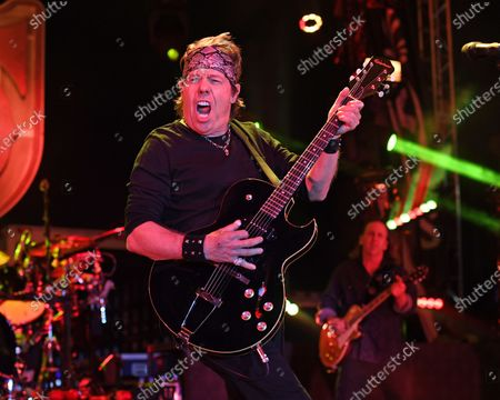 George Thorogood and the Destroyers - George Thorogood