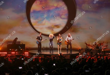 Karen Fairchild, Kimberly Schlapman, Phillip Sweet, Jimi Westbrook. Karen Fairchild, Kimberly Schlapman, Phillip Sweet and Jimi Westbrook with Little Big Town performs at the Fox Theatre, in Atlanta
