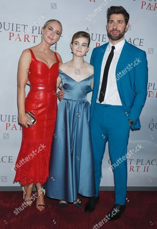 Emily Blunt, Millicent Simmonds and John Krasinski