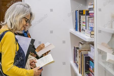 Stock Image of Artist Edmund de Waal unveils his library of exile in the Collecting the World Gallery at The British Museum