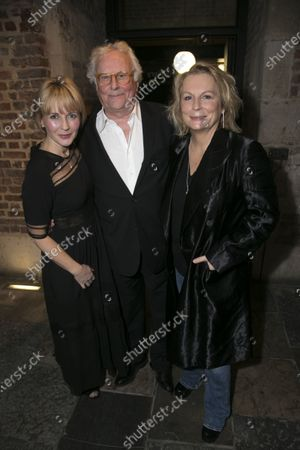 Lisa Dillon (Ruth Condomine), Richard Eyre (Director) and Jennifer Saunders (Madame Arcati)