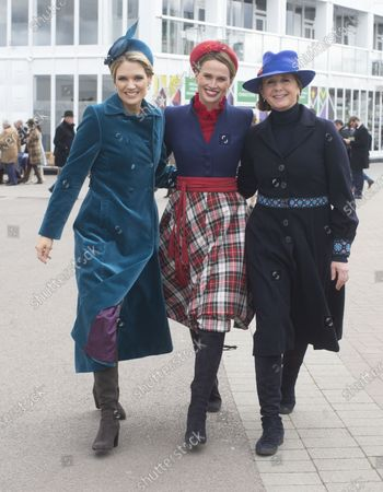 L to R Charlotte Hawkins, Francesca Cumani and Alice Plunkett