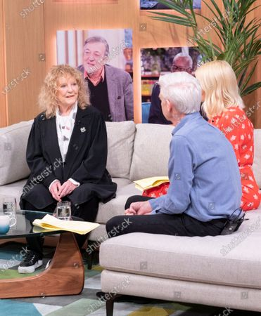 Phillip Schofield and Holly Willoughby with Petula Clark