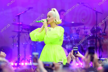 US singer Katy Perry performs on stage during the 'FIGHT ON' concert for bushfire-affected communities at Pioneer Park Recreation Reserve in Bright, Victoria, Australia, 11 March 2020. The pop star  put on a free show in Victoria's Alpine region.
