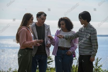 Nicole James as Young Erin Voss, Nick Dolan as Young Rendell Locke, Sabrina Saudin as Young Ellie Whedon and André Dae Kim as Young Mark Cho