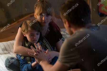 Jackson Robert Scott as Bode Locke, Emilia Jones as Kinsey Locke and Connor Jessup as Tyler Locke