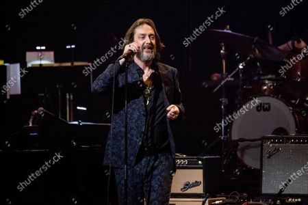 Chris Robinson performs at Love Rocks NYC!, a Benefit Concert for God's Love We Deliver at the Beacon Theatre on in New York