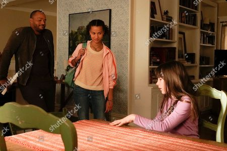 Donald Faison as Alex Evans, Ashley Aufderheide as Mia Evans and Alexa Swinton as Piper