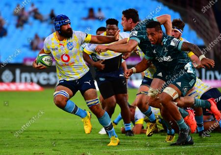 Josh Strauss (L) of the Bulls in action during the 2020 Super Rugby game between the Bulls and the Highlanders at Loftus Versveld in Pretoria, South Africa, 07 March 2020.