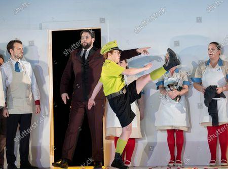 Bozidar Smiljanic as Figaro, Hanna Hipp as Cherubino
