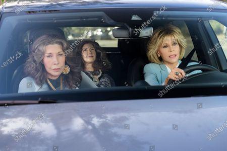 Lily Tomlin as Frankie Bergstein and Jane Fonda as Grace Hanson