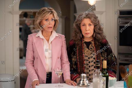 Jane Fonda as Grace Hanson and Lily Tomlin as Frankie Bergstein