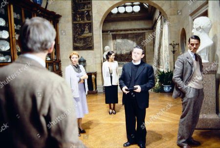 Stephane Audran as Cara, Claire Bloom as Lady Marchmain, Niall Toibin as Father Mackay and Jeremy Irons as Charles Ryder