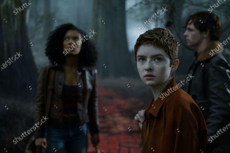 Jaz Sinclair as Rosalind Walker, Lachlan Watson as Theo Putnam/Susie Putnam and Ross Lynch as Harvey Kinkle
