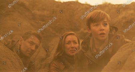 JJ Feild as Ben Adler, Molly Parker as Maureen Robinson and Maxwell Jenkins as Will Robinson