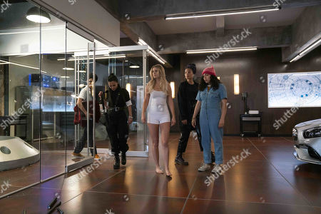 Rhenzy Feliz as Alex Wilder, Lyrica Okano as Nico Minoru, Virginia Gardner as Karolina Dean, Clarissa Thibeaux as Xavin, and Allegra Acosta as Molly Hernandez