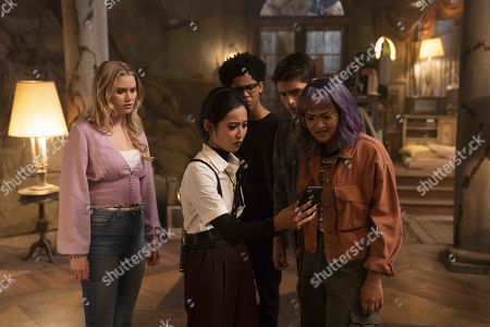 Virginia Gardner as Karolina Dean, Lyrica Okano as Nico Minoru, Rhenzy Feliz as Alex Wilder, Gregg Sulkin as Chase Stein and Ariela Barer as Gert Yorkes