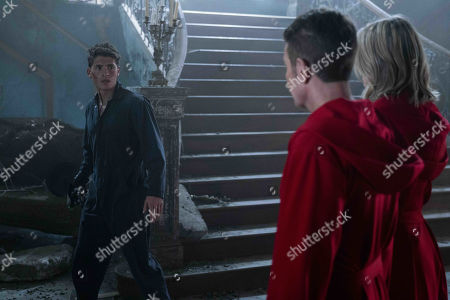 Gregg Sulkin as Chase Stein, James Marsters as Victor Stein and Ever Carradine as Janet Stein
