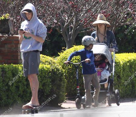 Kate Hudson With Children