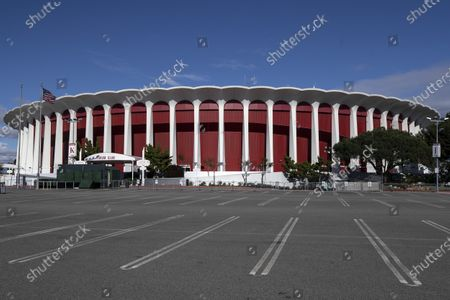 The multi-purpose indoor venue The Forum in Inglewood, California, USA, 25 March 2020. Steve Ballmer, owner of the NBA team the Clippers', has reached an agreement to purchase The Forum for 400 million US dollars in cash, clearing the biggest obstacle in the franchise's way of building a new arena in the area.