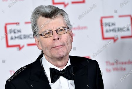 Stephen King at the 2018 PEN Literary Gala in New York. With independent bookstores shut down nationwide, a new online seller is offering help. In January, Andy Hunter launched Bookshop.org. Simon & Schuster is adding buy buttons for Bookshop.org to all of its websites and promoting Bookshop through emails and elsewhere online. It also has enlisted numerous authors, among them Stephen King, Susan Orlean and Jason Reynolds, to get the word out about Bookshop on social media and elsewhere