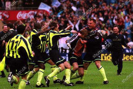 Andy Morrison grabs Manchester City goalkeeper, Nicky Weaver to celebrate winning the penalty shoot-out and Play-Off Final during Manchester City vs Gillingham, Nationwide League Division Two Football at Wembley Stadium on 30th May 1999