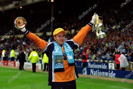 Manchester City goalkeeper, Nicky Weaver, celebrates after their penalty shoot-out victory with the Division Two Play-Off Trophy during Manchester City vs Gillingham, Nationwide League Division Two Football at Wembley Stadium on 30th May 1999