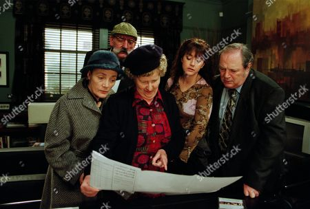 Ep 3125 Friday 1st March 2002 At a meeting to discuss the Village in Bloom competition, Ray makes a shocking offer. With Edna Birch, as played by Shirley Stelfox ; Seth Armstrong, as played by Stan Richards ; and Betty Eagleton, as played by Paula Tilbrook ; Tricia Stokes, as played by Sheree Murphy ; Alan Turner, as played by Richard Thorp.