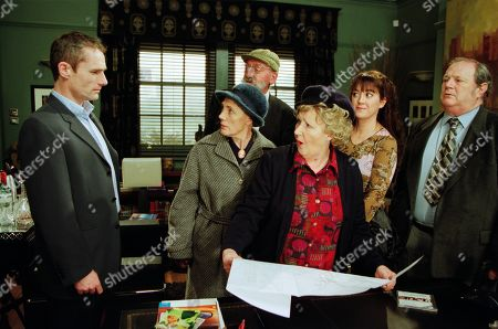 Ep 3125 Friday 1st March 2002 At a meeting to discuss the Village in Bloom competition, Ray makes a shocking offer. With Ray Mullan, as played by Seamus Gubbins; Edna Birch, as played by Shirley Stelfox ; Seth Armstrong, as played by Stan Richards ; and Betty Eagleton, as played by Paula Tilbrook ; Tricia Stokes, as played by Sheree Murphy ; Alan Turner, as played by Richard Thorp.