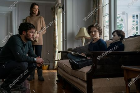 Owain Yeoman as Sean, Katie Holmes as Liza and Christopher Convery as Jude