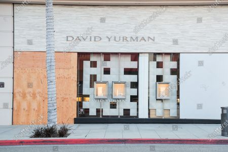 David Yurman in Beverly Hills is boarded up as a result of Coronavirus